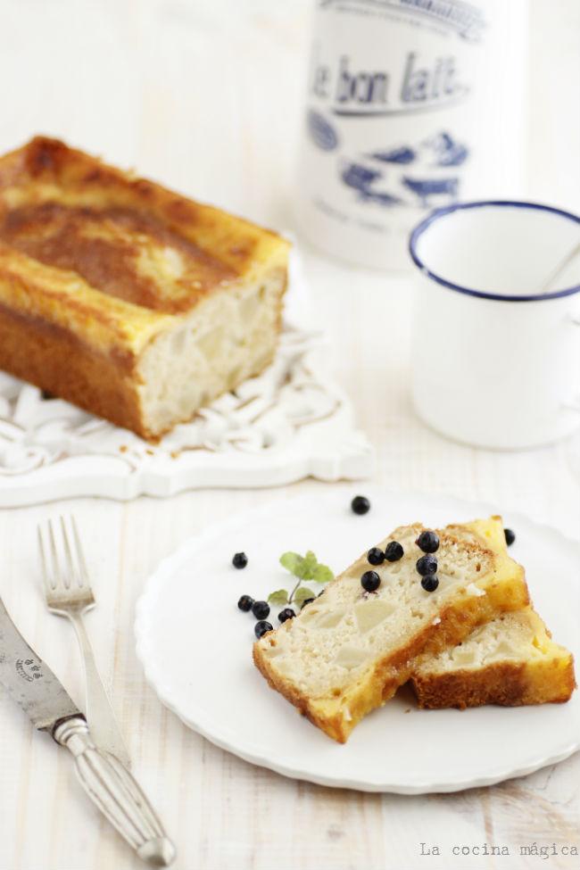 Cake de pera con cobertura suave